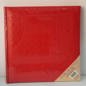 Álbum de cartulina rojo